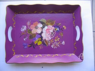 plateau stylise violet